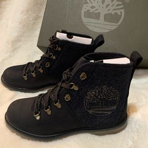 Timberland Authentics D-Ring Women's Boots 9.5 New